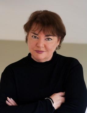 Jeanie Drynan Image 2